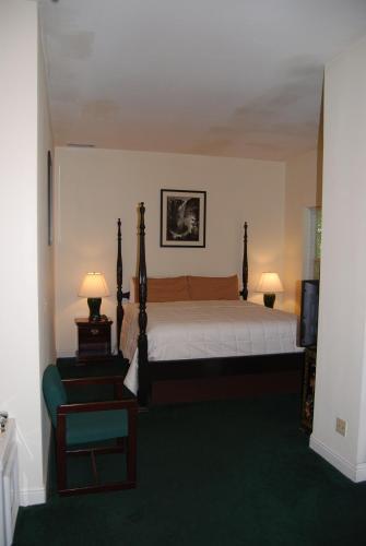 Standard King Room