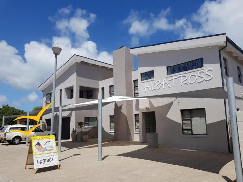 . Albatross Guesthouse