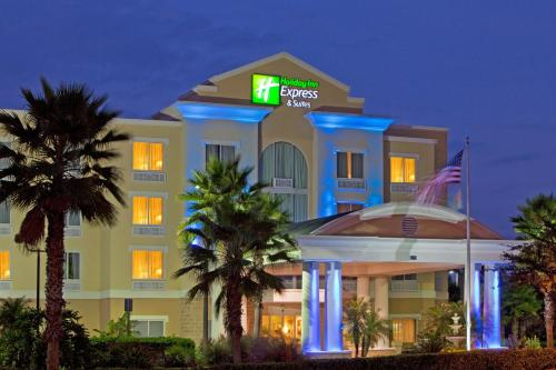 Holiday Inn Express and Suites Tampa I-75 at Bruce B. Downs