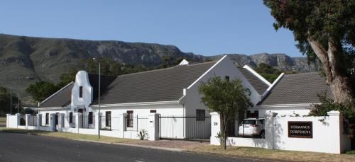 Hermanus Dorpshuys Guesthouse