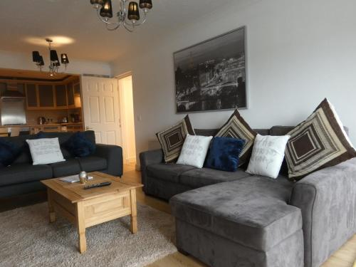. Echo Arena, Luxury City Centre Waterfront Apartment