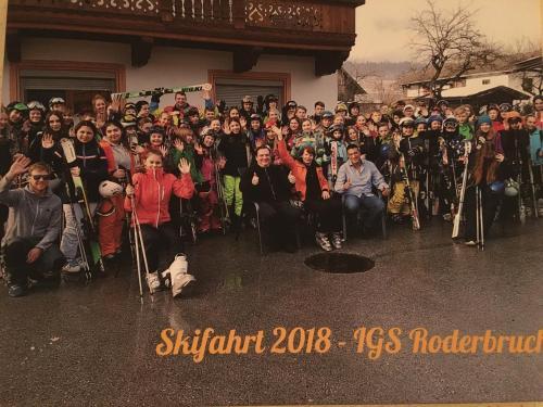 Meetpoint - Single Party - 19.04.2013 - Arena Tirol - volunteeralert.com
