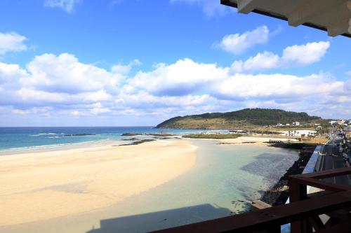. Ocean Grand Hotel