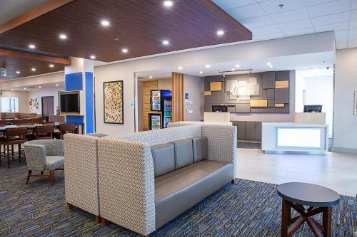 Holiday Inn Express & Suites - Halifax GÇô Dartmouth - Dartmouth, NS B3B 0J3