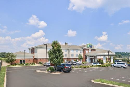 Holiday Inn Express Mineral Wells - Mineral Wells, WV WV 26150