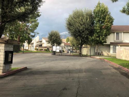 Cozy Home in San Bernardino - Apartment