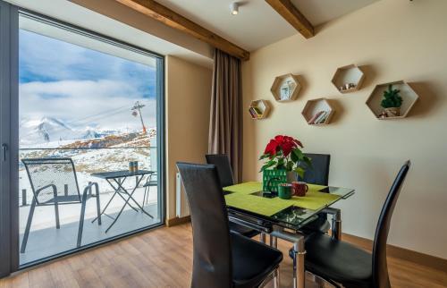 124 Atrium New Gudauri, separate bedroom with terrace - Apartment - Gudauri