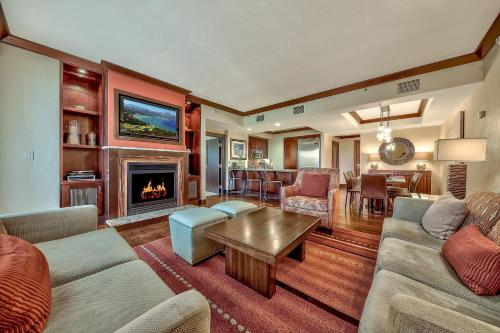 Luxury Residence with Ritz Amenities at Constellation condo - Apartment - Truckee