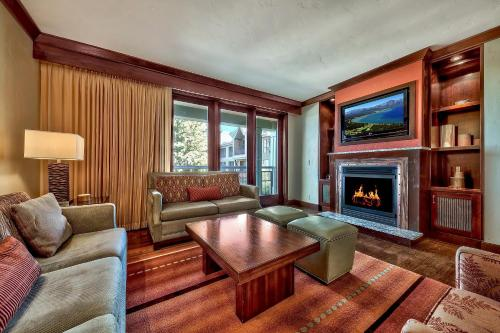 Luxury Residence with Ritz Amenities at Constellation condo - Hotel - Truckee