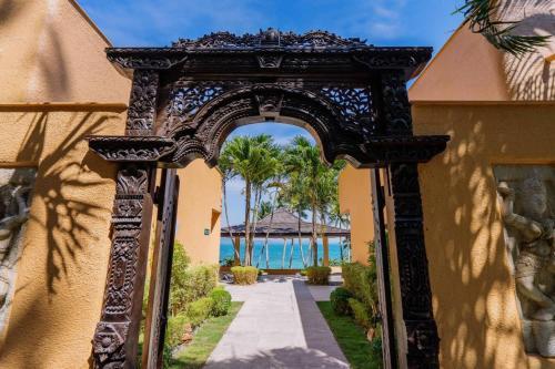 Coral Cove Beachfront Villa and Spa Hotel Managed Coral Cove Beachfront Villa and Spa Hotel Managed