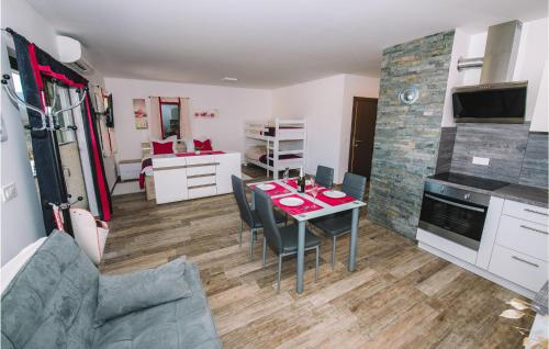 Stunning apartment in Bled w/ Outdoor swimming pool, WiFi and Outdoor swimming pool