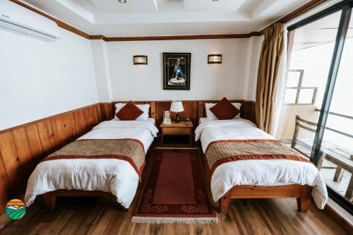 Deluxe Double or Twin Room with Airport transfer
