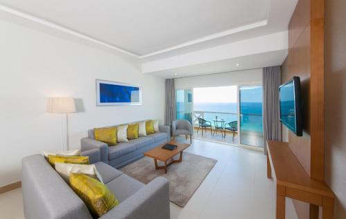 Ramada Beach Hotel Ajman - Photo 5 of 112