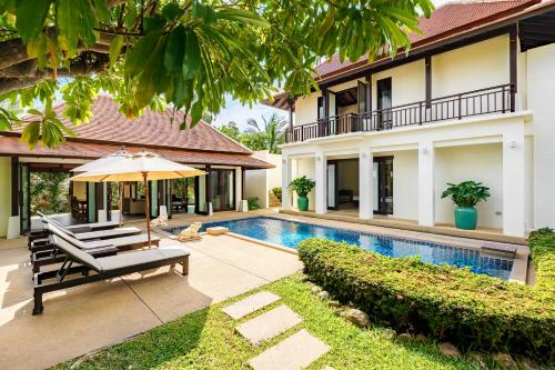 Lovely villa 'Plumeria' with private pool and garden - 3 minutes wal Lovely villa 'Plumeria' with private pool and garden - 3 minutes walk to beach
