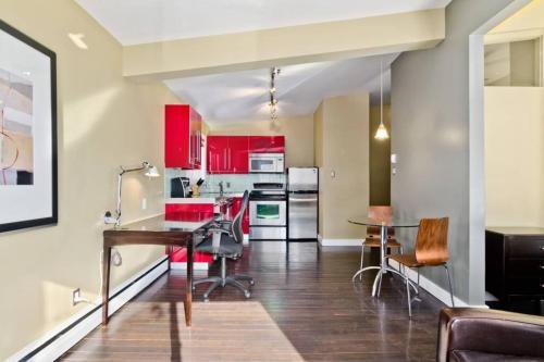 Calgary SW 15th Apartment - Calgary, AB