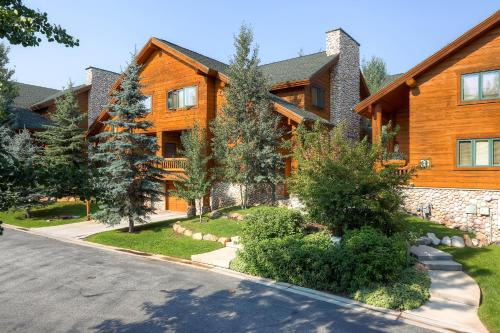Timber Wolf Lodge by Park City Lodging Main image 2