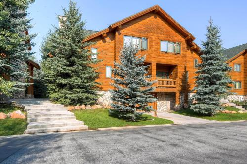 Timber Wolf Lodge by Park City Lodging Main image 1