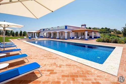 Boliqueime Villa Sleeps 6 Pool Air Con