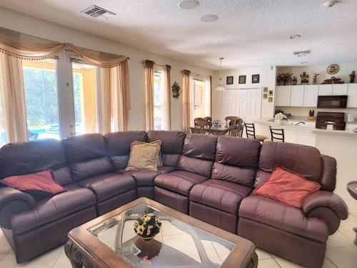 8539 Emerald Island 6 Bedroom Villa Main image 1