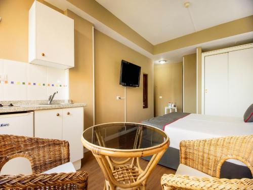 Фото отеля OYO Miami Santa Catalina