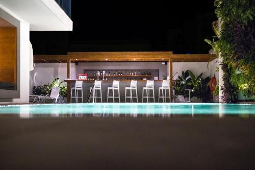 Manousos City Hotel in Rhodos