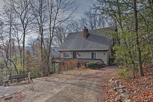 Palmerton Home on 3 Acres- 5 Mi. to Blue Mountain! - Palmerton