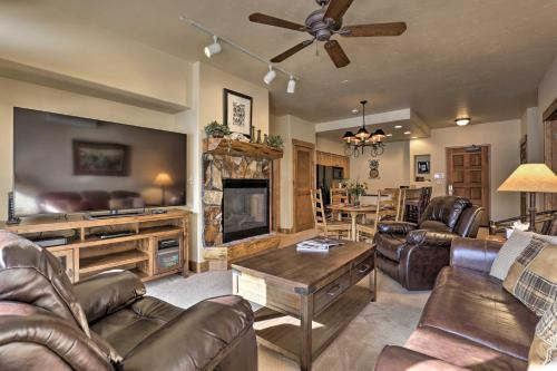 Steamboat Condo with Pool Access - 5 Mins to Mtn! - Apartment - Steamboat