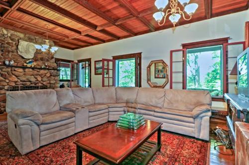 Bring Your Boat - Island Cottage on Evans Lake! - Tipton