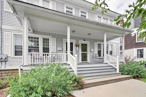 Spacious Rutland Townhome with Fire Pit- Walk to Town - Hotel - Rutland