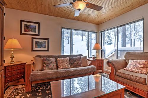 Lake Tahoe Mountain Condo Less Than 2 Mi to Nevada Beach! - Apartment - Zephyr Cove