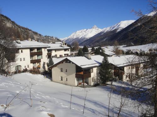 Residenz La Mora - Apartment - La Punt-Chamues-ch