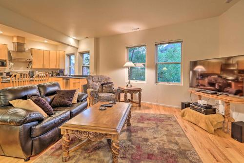 Downtown Manitou Springs Home - Tranquil Creek View - Apartment - Manitou Springs