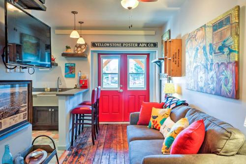 Walkable Studio Apartment in Downtown Livingston! - Livingston