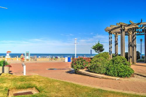 Oceanfront Virginia Beach Studio with Pool Access! Main image 2