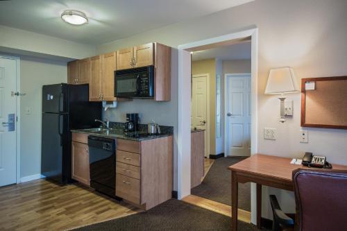 Candlewood Suites Windsor Locks - Windsor Locks, CT CT 06096