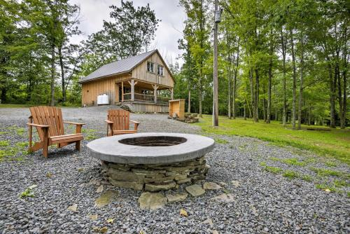 Lovely Ulster Cabin with Hot Tub, Fire Pit & 3 Ponds! - Ulster