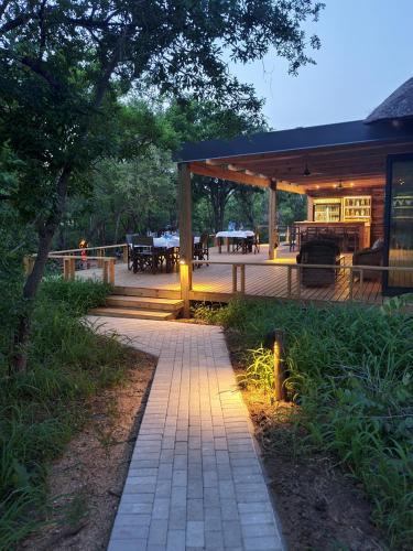 . Kingfisher Creek Lodge