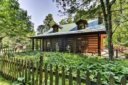 Black Mountain Cabin with Screend Porch and Scenic View - Black Mountain