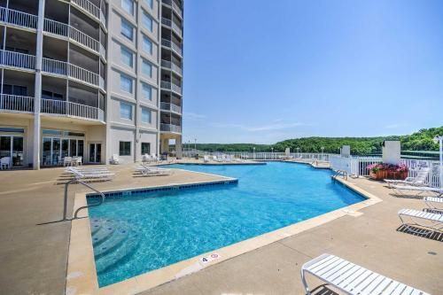 Lakefront Osage Beach Condo with Porch and Pool Access!