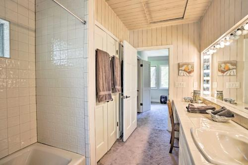 Snowmass Home with Hot Tub - Mins to Skiing and Aspen! - Snowmass