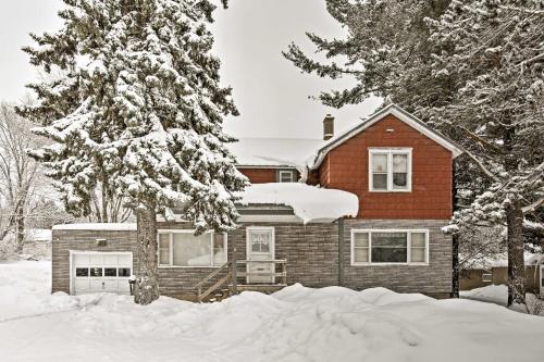 Downtown Bessemer House Near Skiing & Snowmobiling - Bessemer