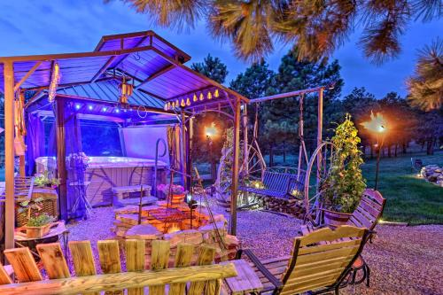 Hermosa Ground-Lvl Home with 5 Acres, Patio & Hot Tub - Apartment - Hermosa