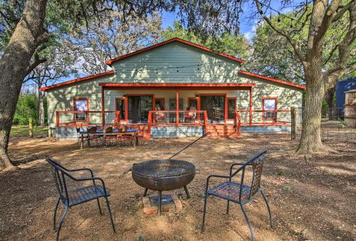 Accommodation in Helotes