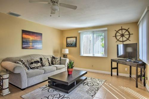 Ft Lauderdale Townhome on Canal - 3 Mi to Beach! - image 5