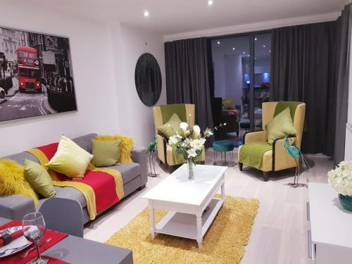 Chiswick Park Apartments, Chiswick, West London