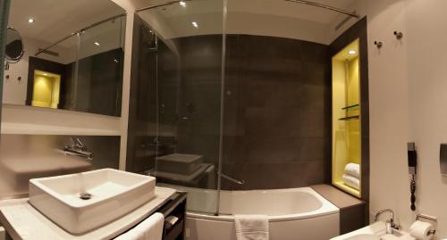 Sixtytwo Hotel photo 14