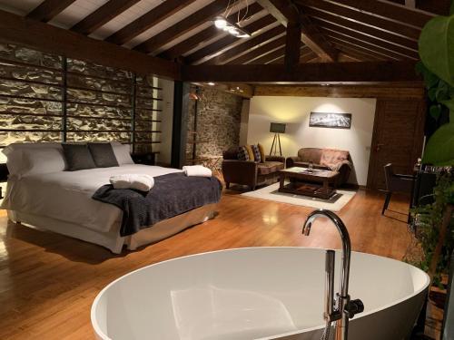Habitación Deluxe - 1 cama grande Mas Farner - Adults Only 3