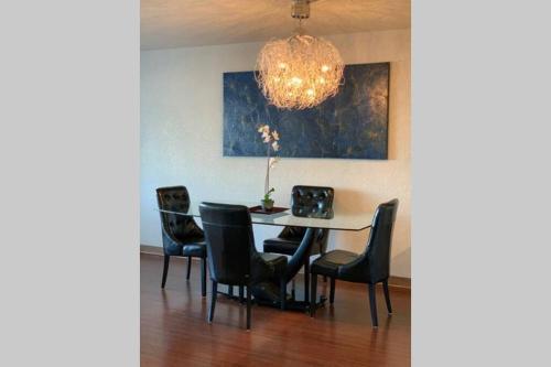 Calgary SE 6 Ave Apartment - Calgary, AB