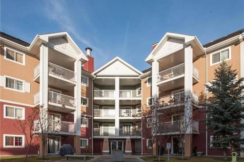 Calgary SE Prestwick Cir Apartment