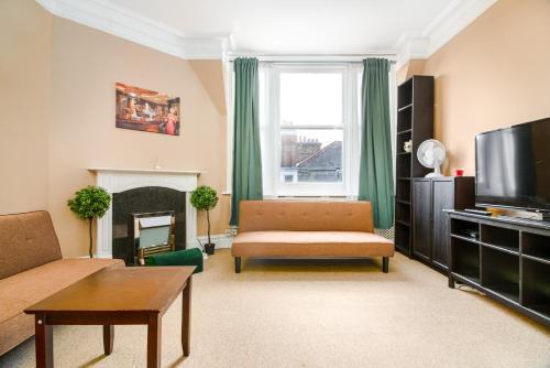 Large Apartment Near Oxford Street